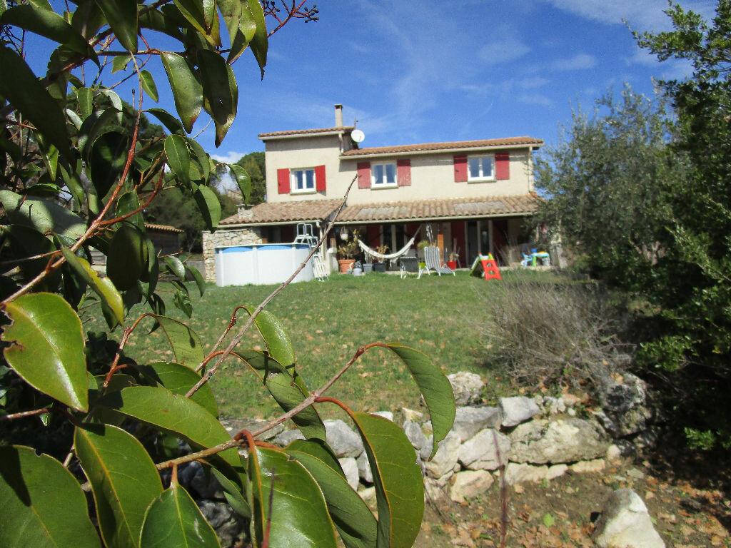 Maison à vendre 4 115m2 à Saint-Marcel-d'Ardèche vignette-9