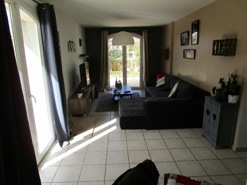 Maison à vendre 4 105m2 à Saint-Just-d'Ardèche vignette-1