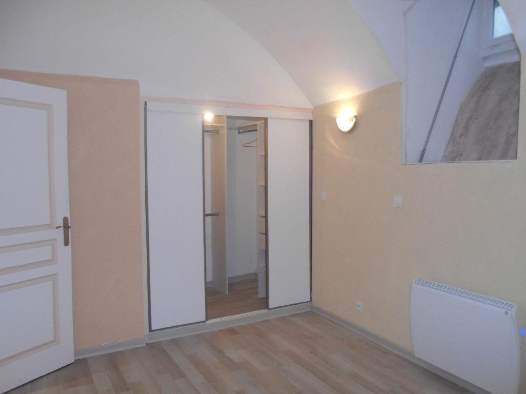 Appartement à louer 2 39.23m2 à Pont-Saint-Esprit vignette-2
