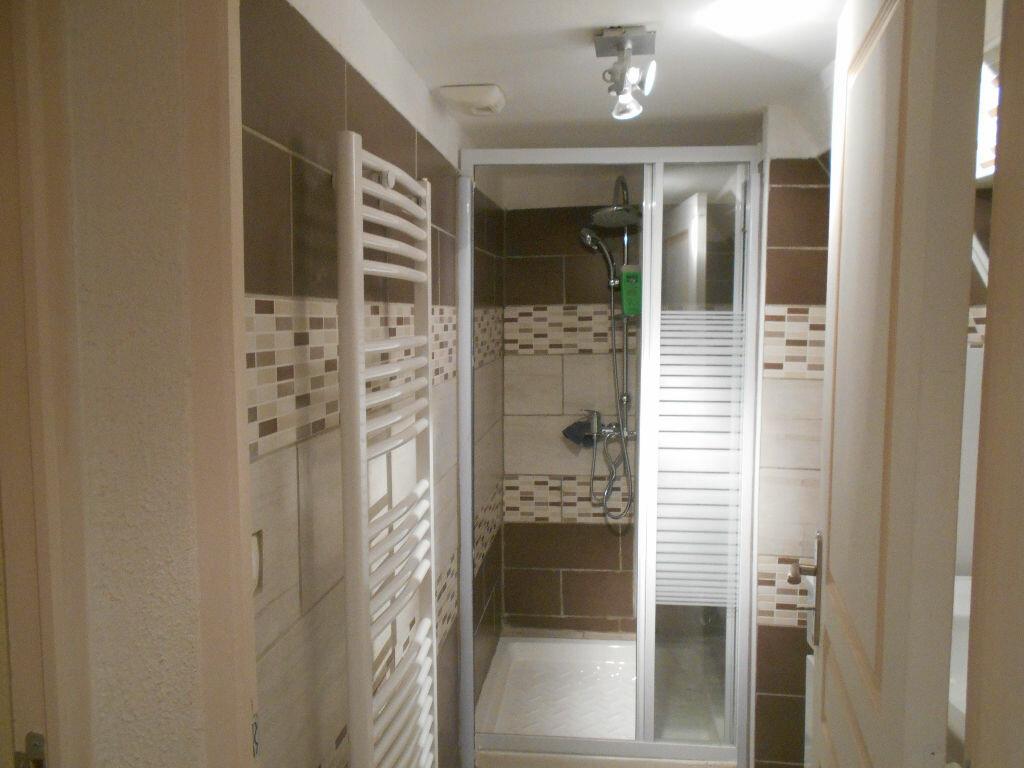 Appartement à louer 2 39.23m2 à Pont-Saint-Esprit vignette-3