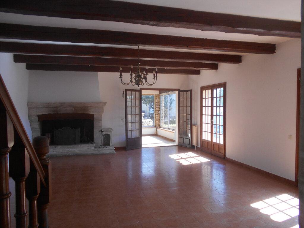 Maison à louer 5 159m2 à Saint-Paulet-de-Caisson vignette-4