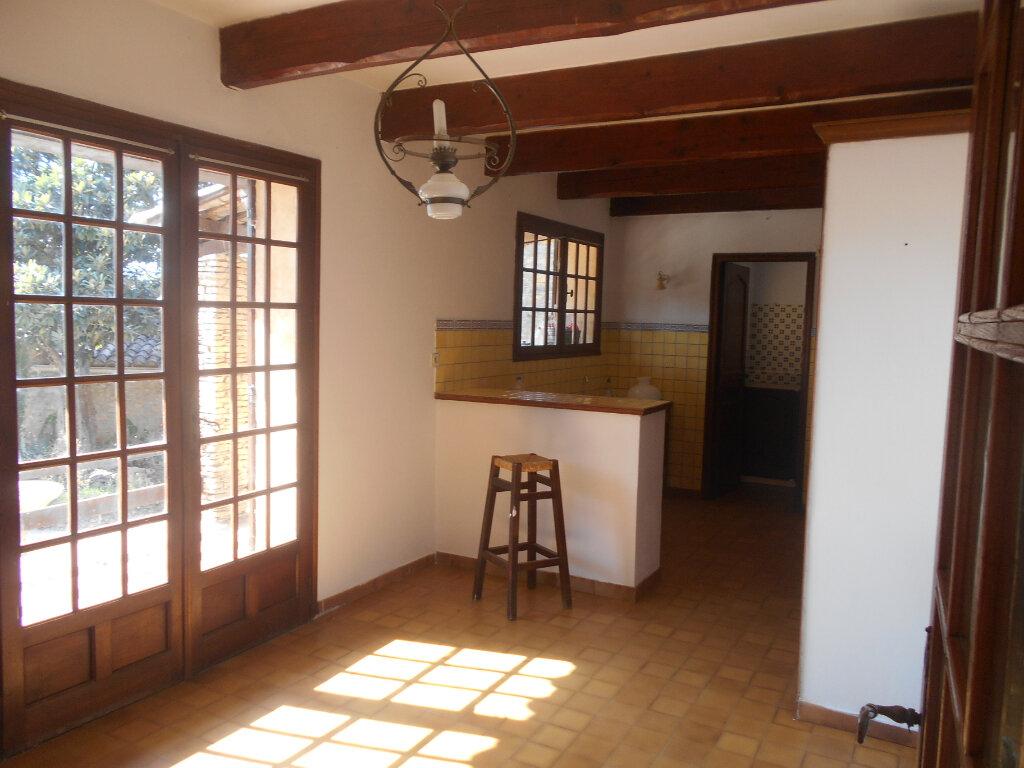 Maison à louer 5 159m2 à Saint-Paulet-de-Caisson vignette-6