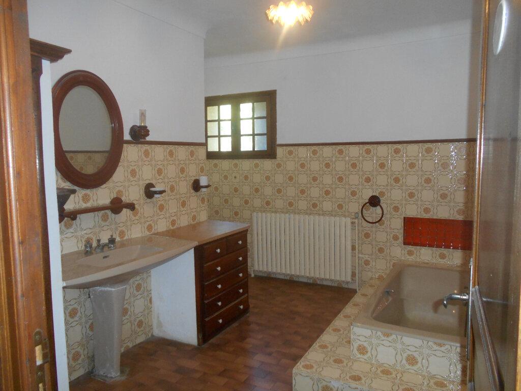 Maison à louer 5 159m2 à Saint-Paulet-de-Caisson vignette-8