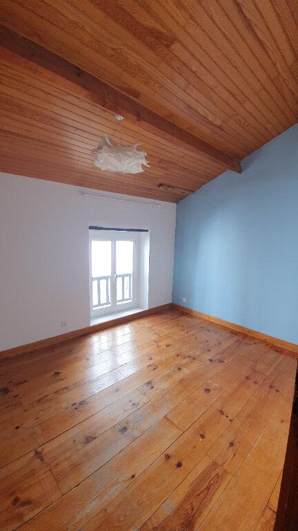 Appartement à louer 4 100m2 à Pont-Saint-Esprit vignette-6