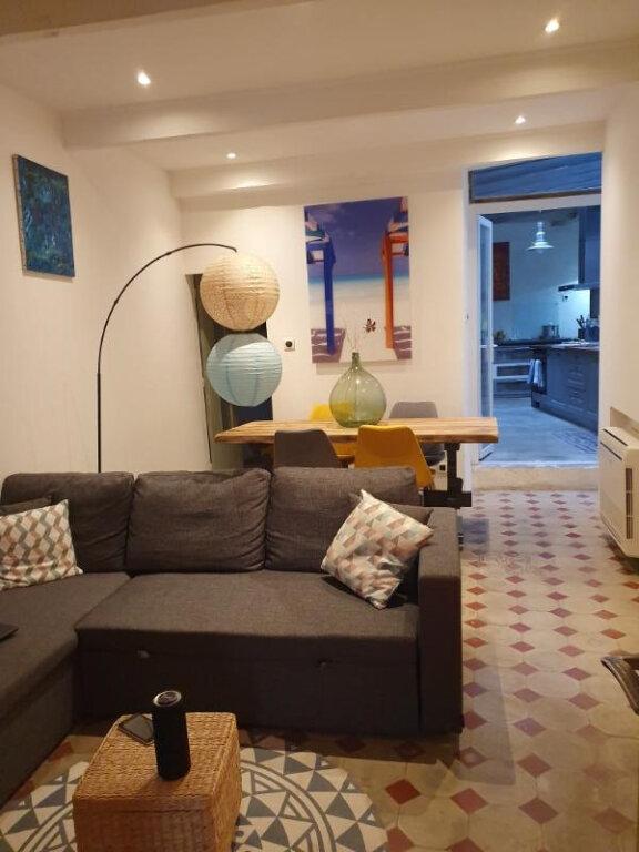 Appartement à louer 3 75m2 à Pont-Saint-Esprit vignette-2
