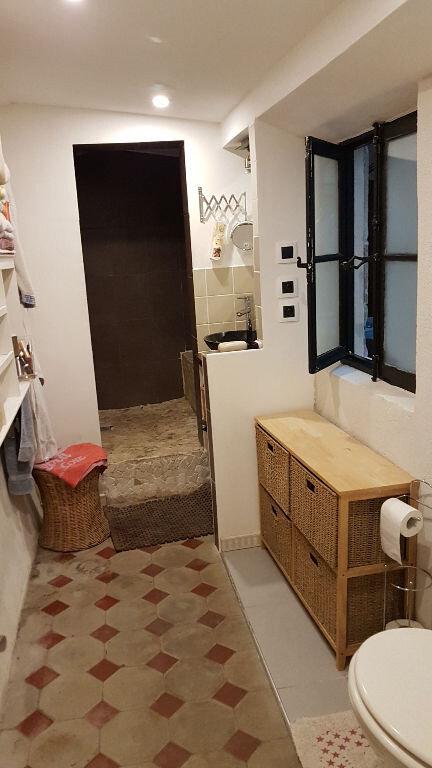 Appartement à louer 3 75m2 à Pont-Saint-Esprit vignette-3