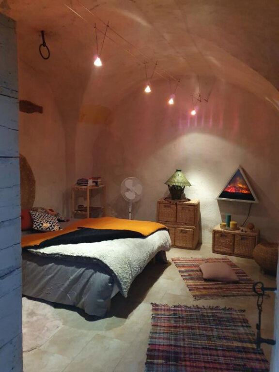 Appartement à louer 3 75m2 à Pont-Saint-Esprit vignette-4