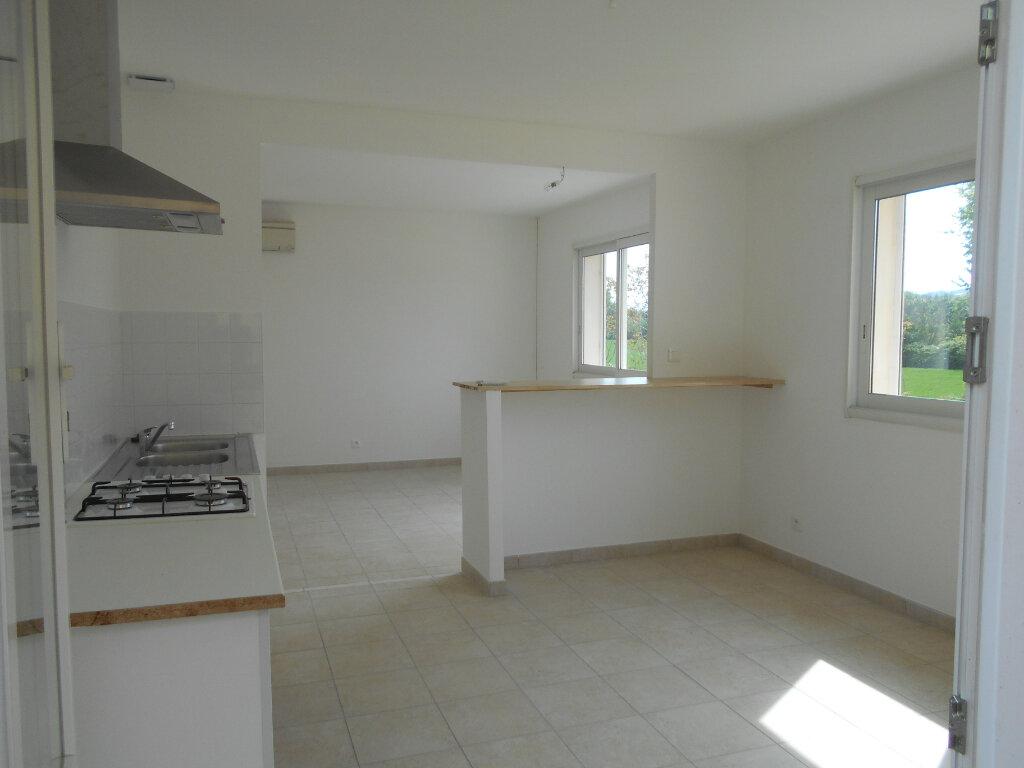 Appartement à louer 3 78.3m2 à Pont-Saint-Esprit vignette-3