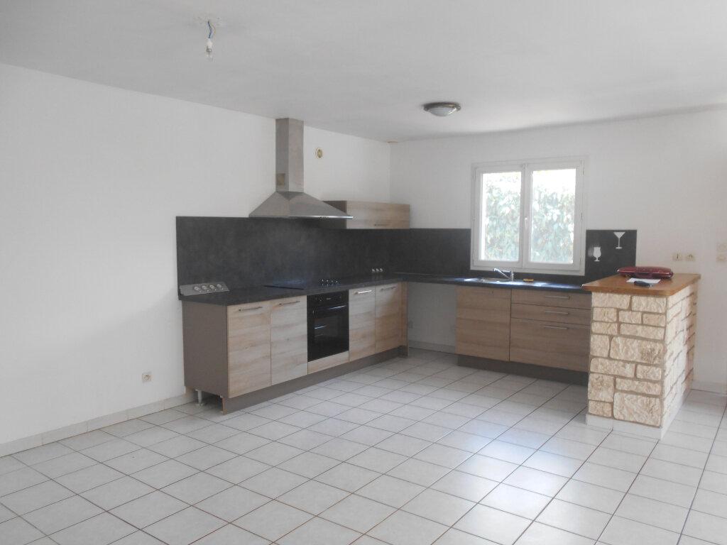 Maison à louer 4 83m2 à Pont-Saint-Esprit vignette-3