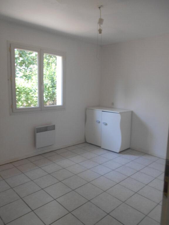 Maison à louer 4 83m2 à Pont-Saint-Esprit vignette-4