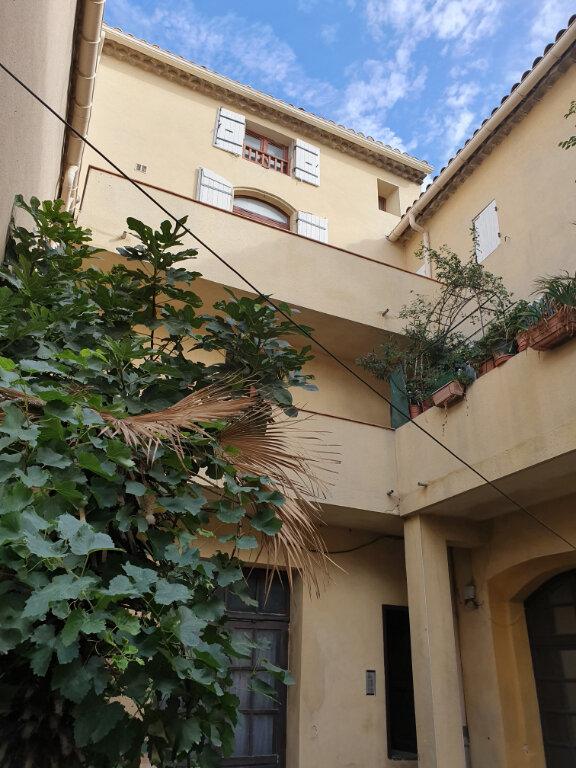 Appartement à louer 3 67.21m2 à Pont-Saint-Esprit vignette-2