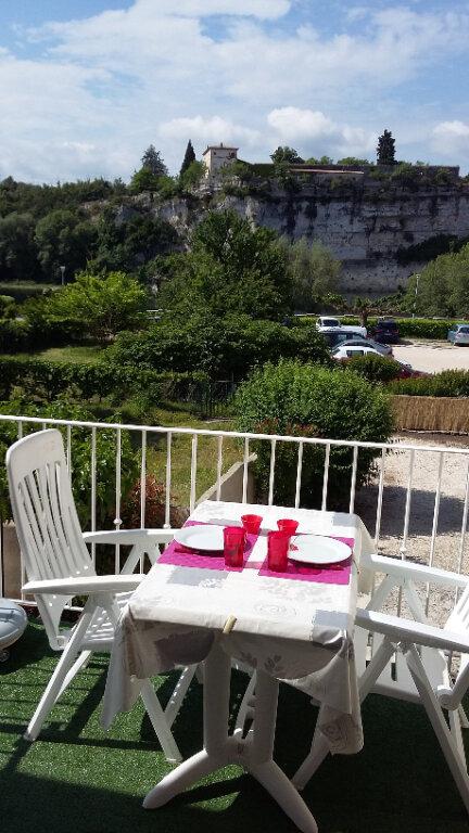 Appartement à louer 2 42.3m2 à Saint-Martin-d'Ardèche vignette-1