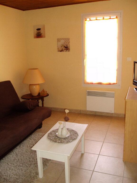 Appartement à louer 2 42.3m2 à Saint-Martin-d'Ardèche vignette-2
