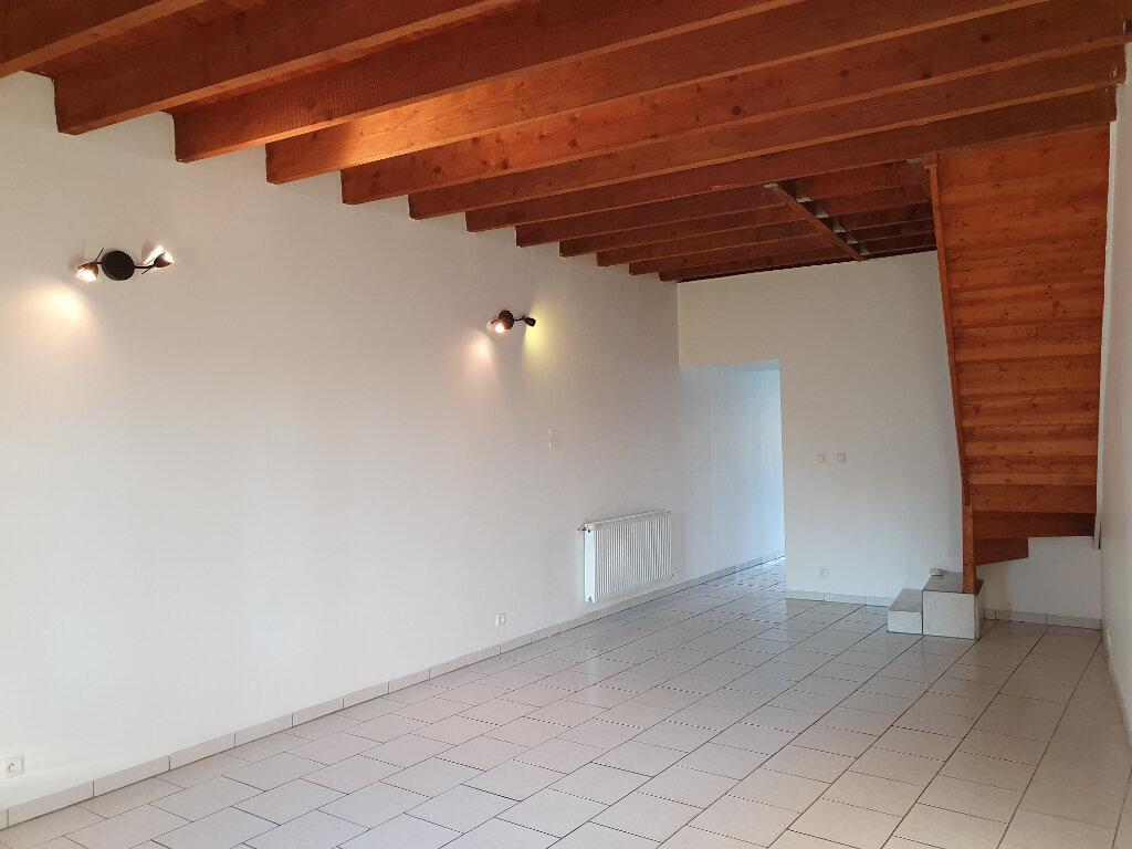 Maison à louer 4 101m2 à Pont-Saint-Esprit vignette-1