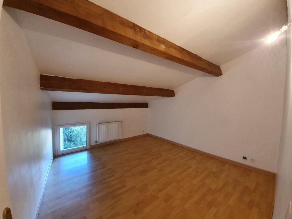Maison à louer 4 101m2 à Pont-Saint-Esprit vignette-5