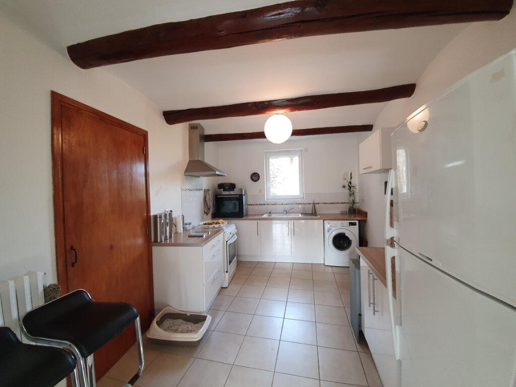 Appartement à louer 3 77.08m2 à Saint-Paulet-de-Caisson vignette-2