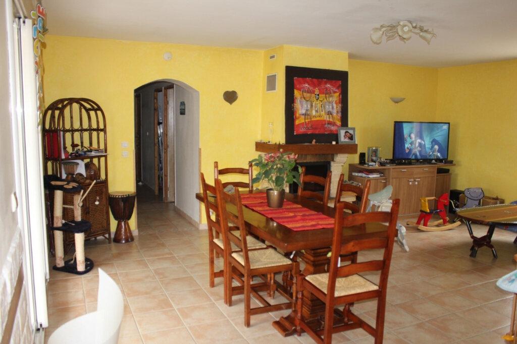 Maison à louer 5 112m2 à Caderousse vignette-2