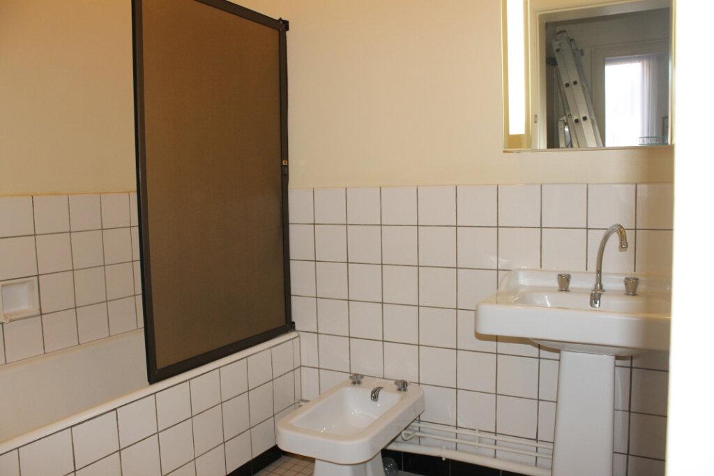 Appartement à vendre 3 63m2 à Douai vignette-3