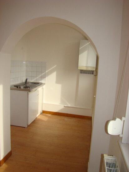 Appartement à louer 5 70m2 à Marconne vignette-2