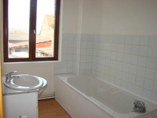 Appartement à louer 5 70m2 à Marconne vignette-3