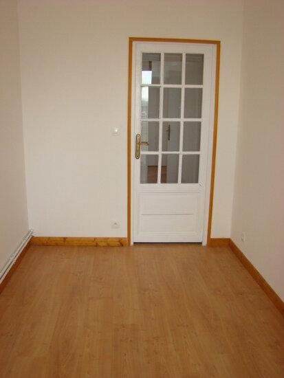 Appartement à louer 5 70m2 à Marconne vignette-4