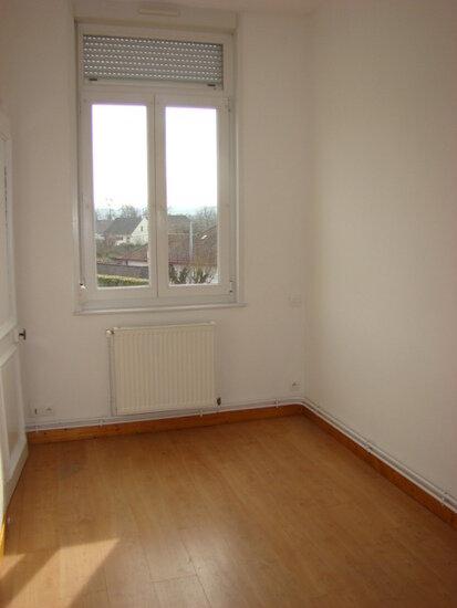 Appartement à louer 5 70m2 à Marconne vignette-5