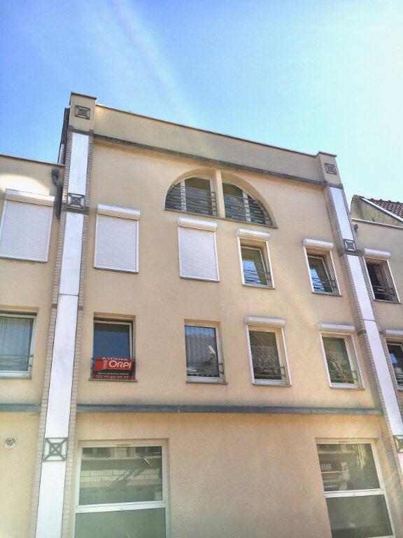 Appartement à louer 4 105m2 à Hesdin vignette-1