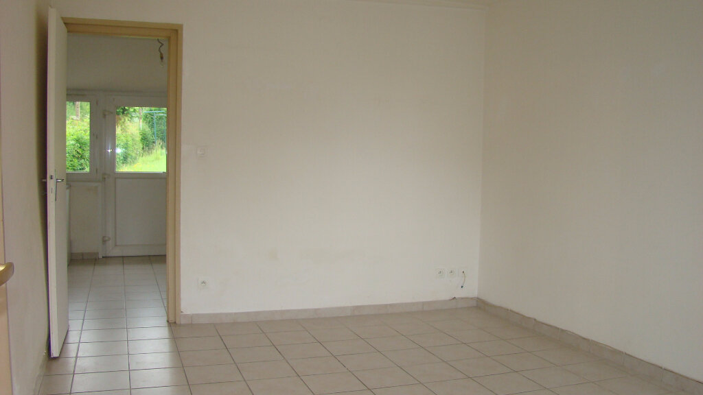 Maison à louer 4 55m2 à Grigny vignette-3