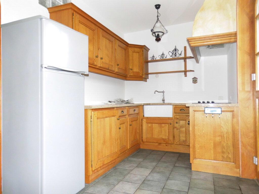 Appartement à louer 3 56m2 à Saint-Georges vignette-3