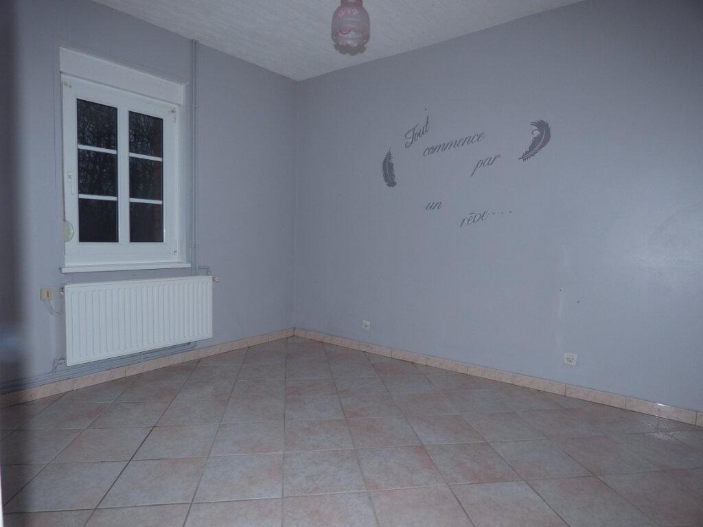 Maison à louer 9 191m2 à Fillièvres vignette-5