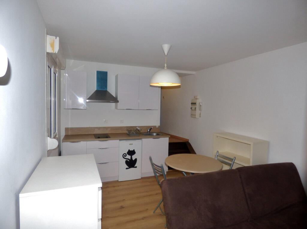 Appartement à louer 1 25m2 à Hesdin vignette-3