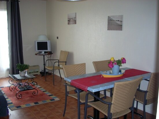 Appartement à louer 2 42.86m2 à La Rochelle vignette-1