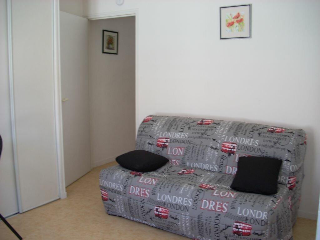 Appartement à louer 1 20.73m2 à La Rochelle vignette-3