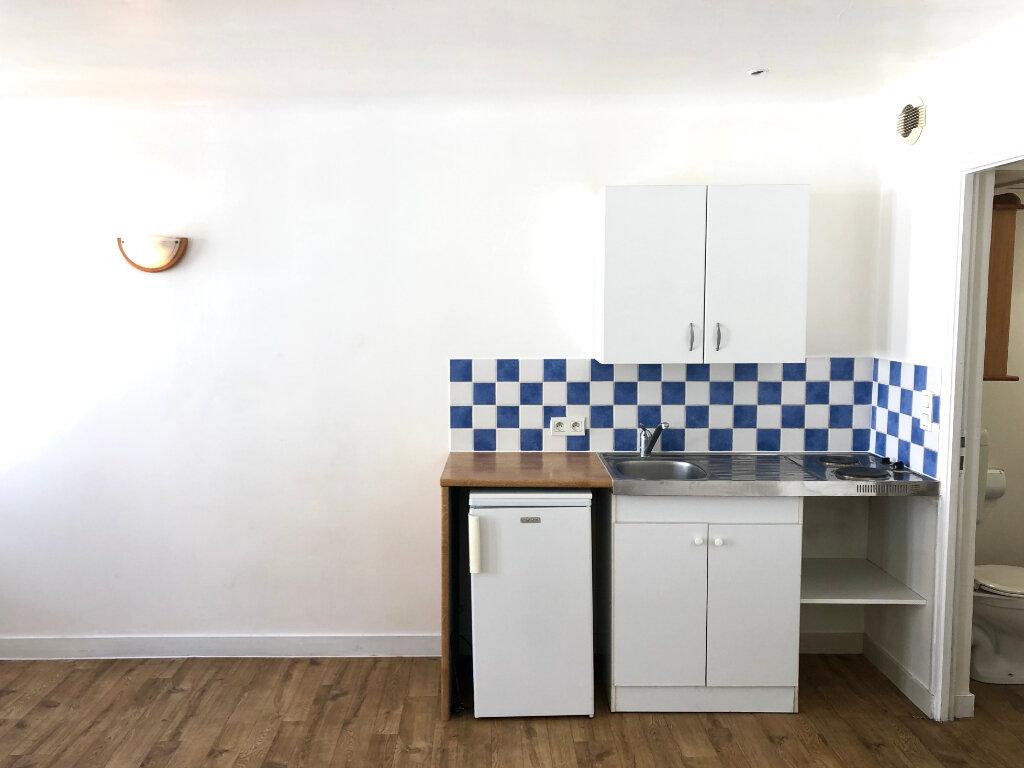Appartement à louer 1 21m2 à La Rochelle vignette-2