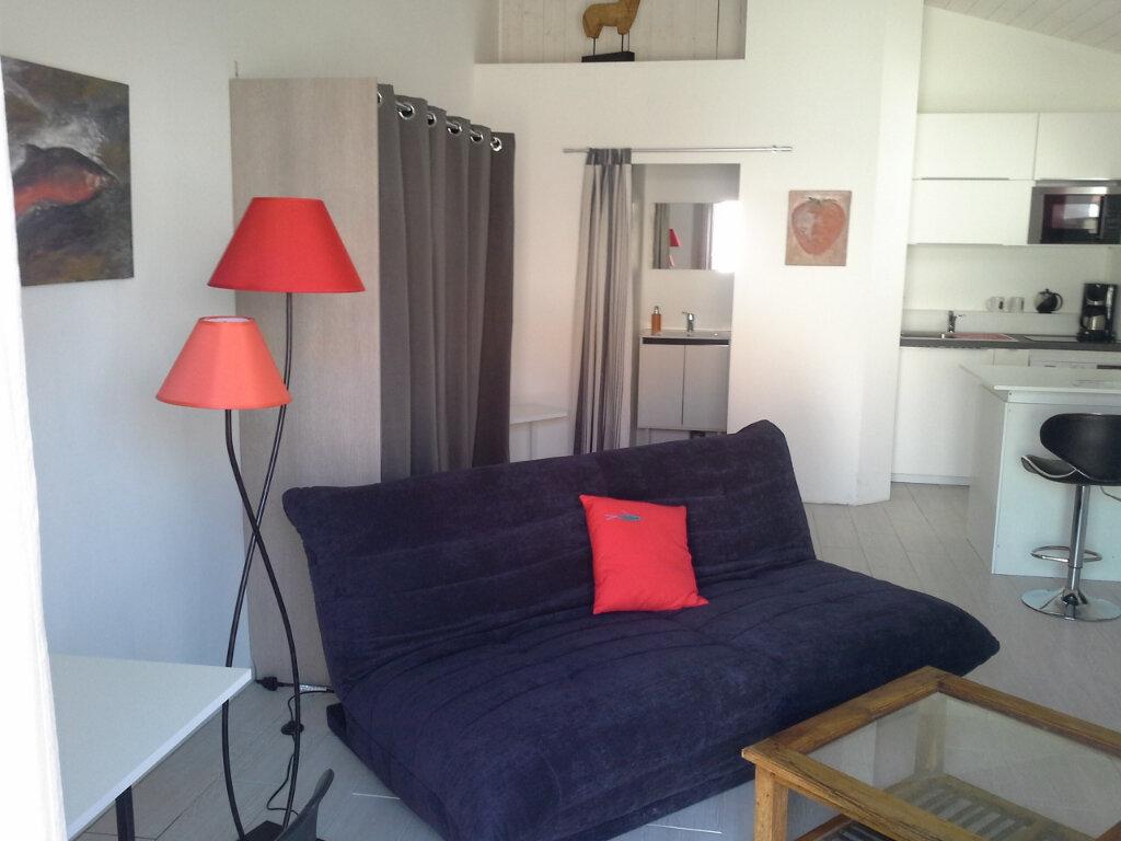Appartement à louer 1 27m2 à La Rochelle vignette-2