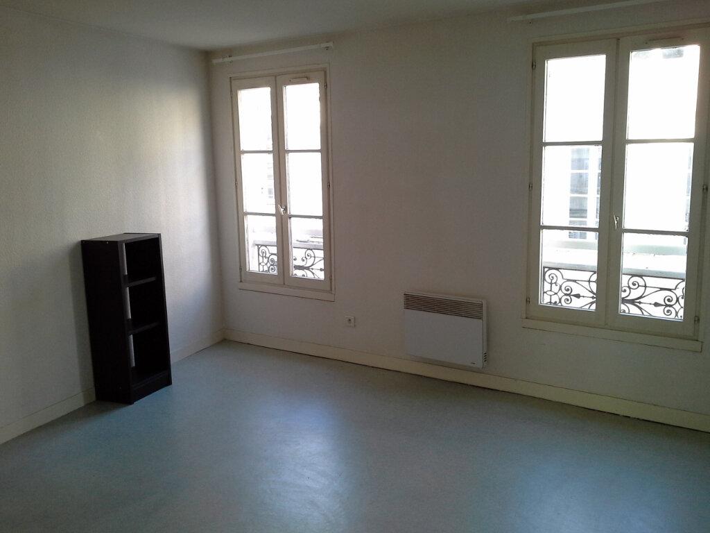 Appartement à louer 1 27.48m2 à La Rochelle vignette-4