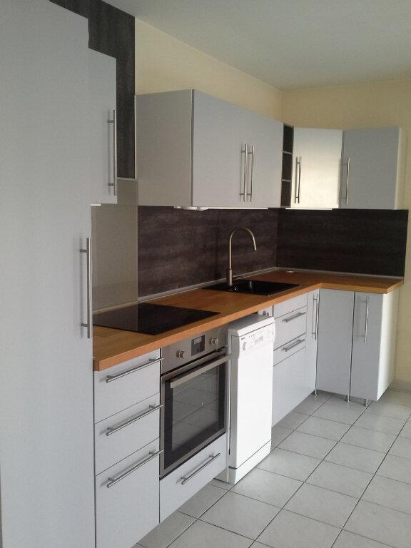 Appartement à louer 2 42.19m2 à La Rochelle vignette-2