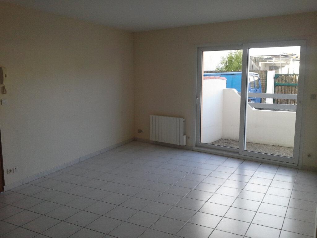 Appartement à louer 2 42.19m2 à La Rochelle vignette-3