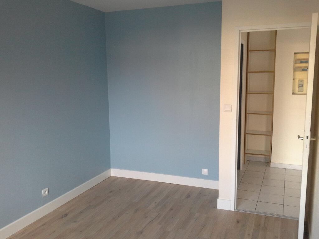 Appartement à louer 2 42.19m2 à La Rochelle vignette-4