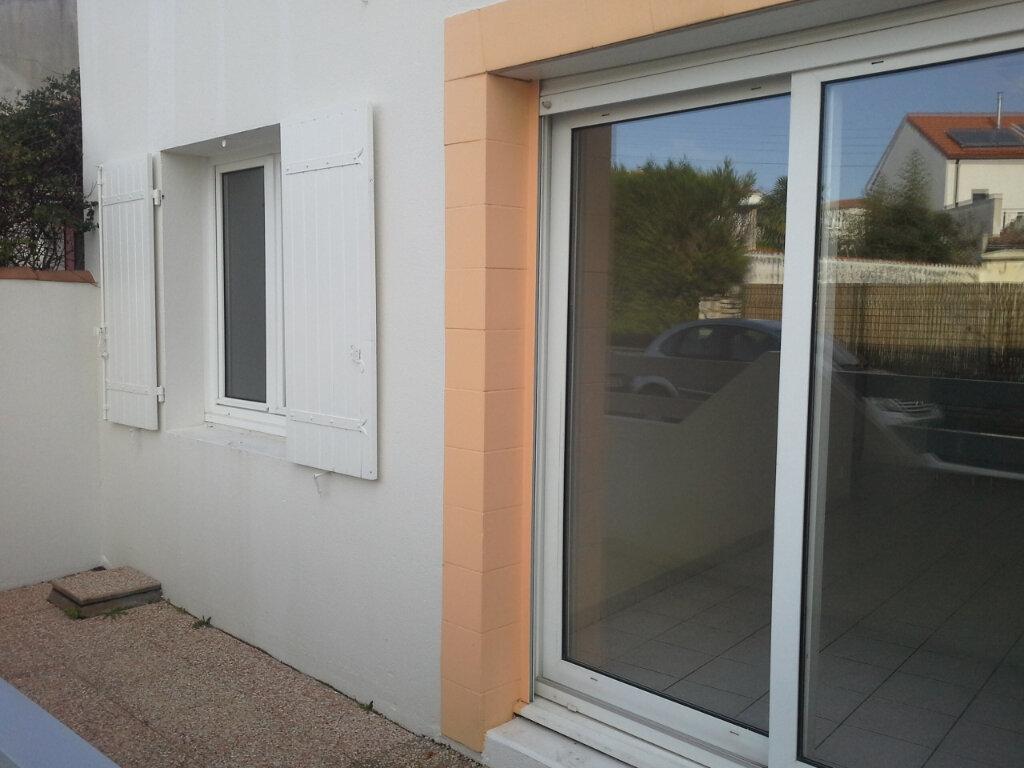 Appartement à louer 2 42.19m2 à La Rochelle vignette-6
