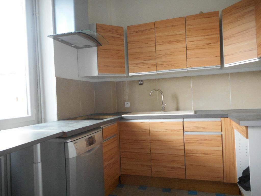 Maison à louer 4 70m2 à Saint-Loup-Cammas vignette-2