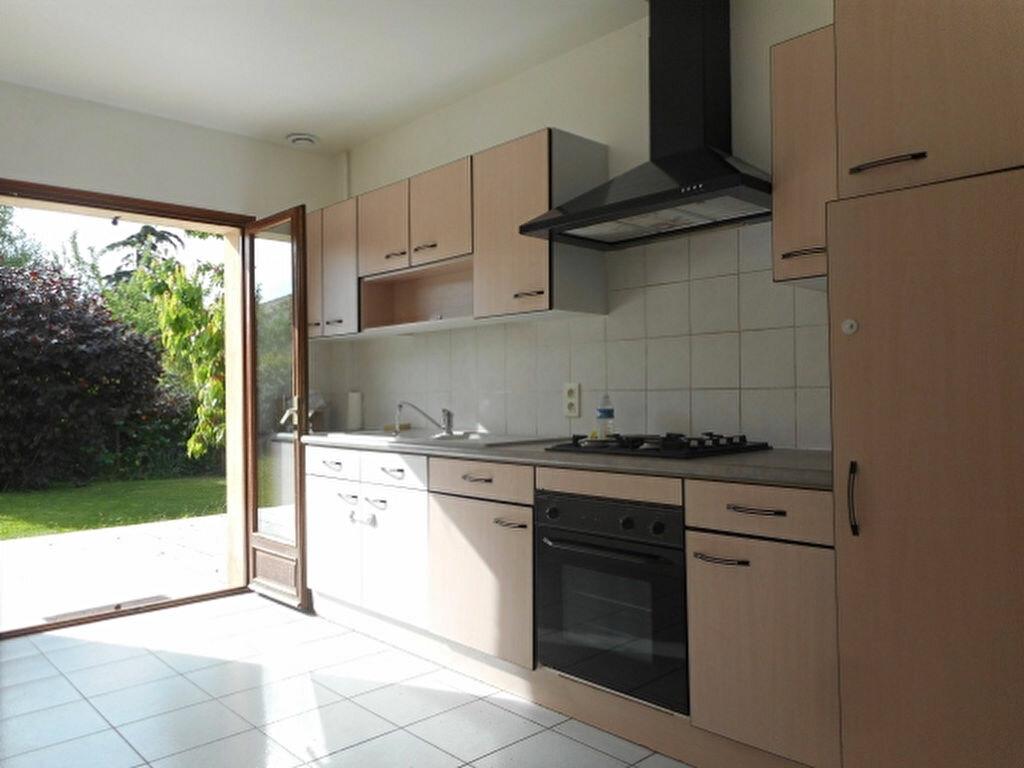 Maison à louer 3 80m2 à Saint-Jean vignette-3
