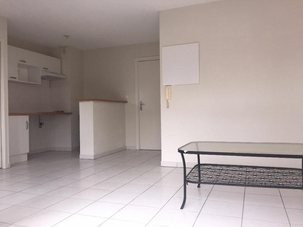 Appartement à louer 2 37m2 à Saint-Alban vignette-1