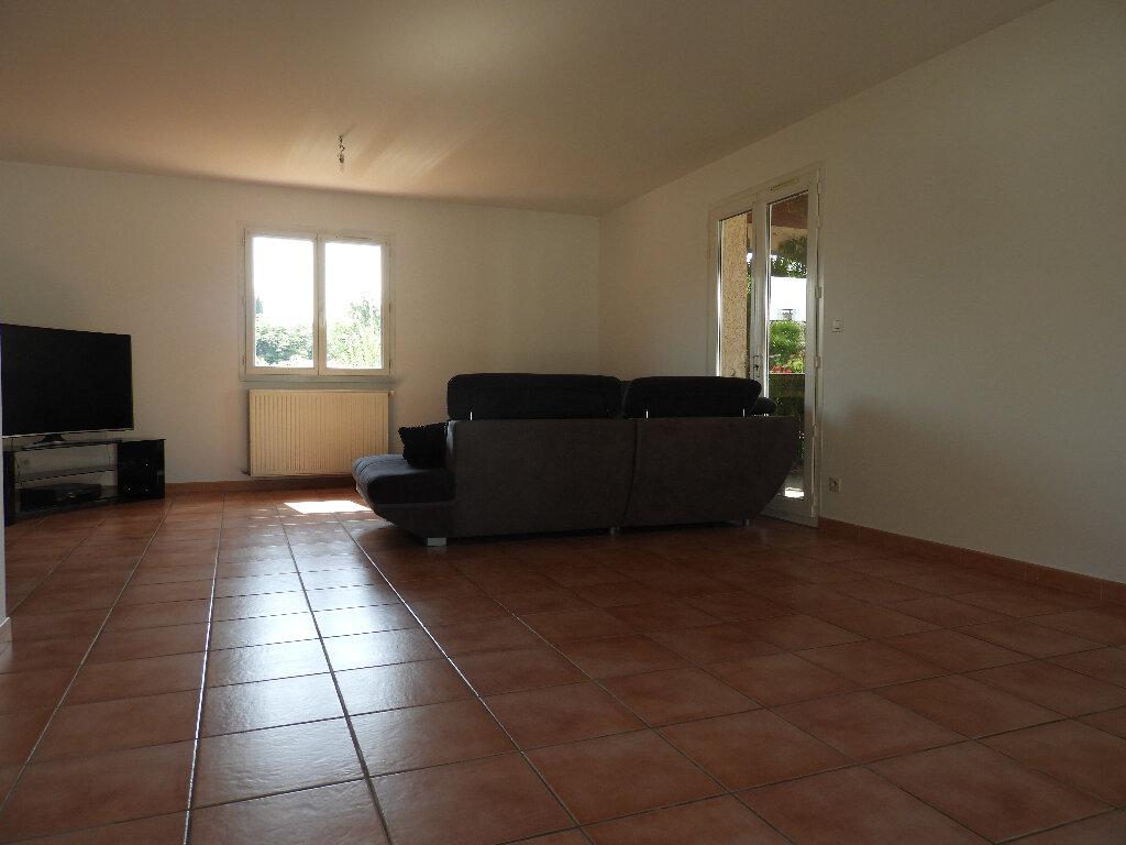 Maison à louer 7 185m2 à Saint-Jean vignette-2