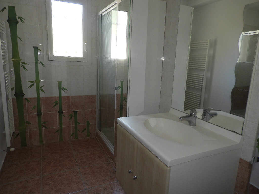 Maison à louer 7 185m2 à Saint-Jean vignette-4