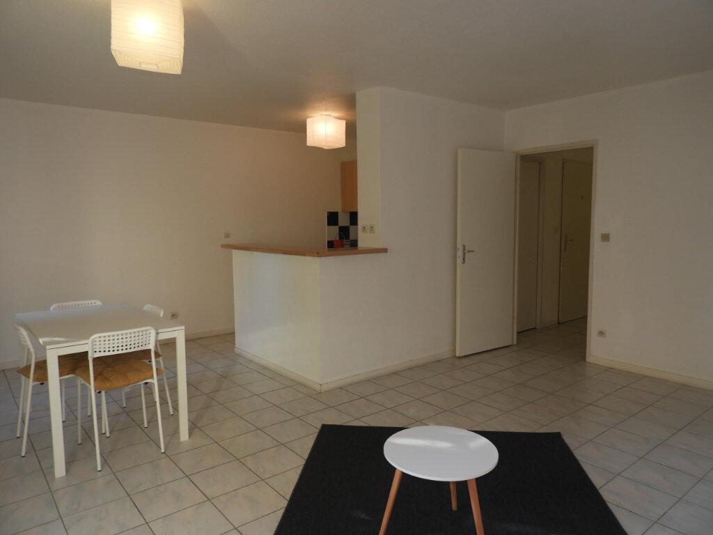 Appartement à louer 3 66.3m2 à Saint-Jean vignette-1