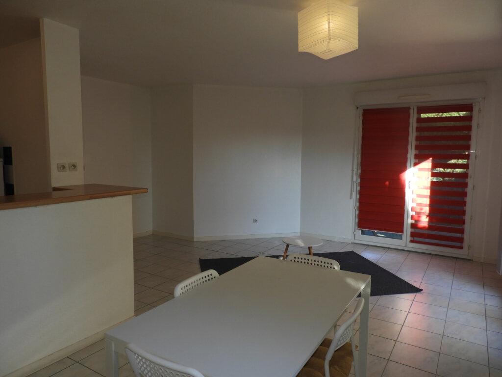 Appartement à louer 3 66.3m2 à Saint-Jean vignette-2