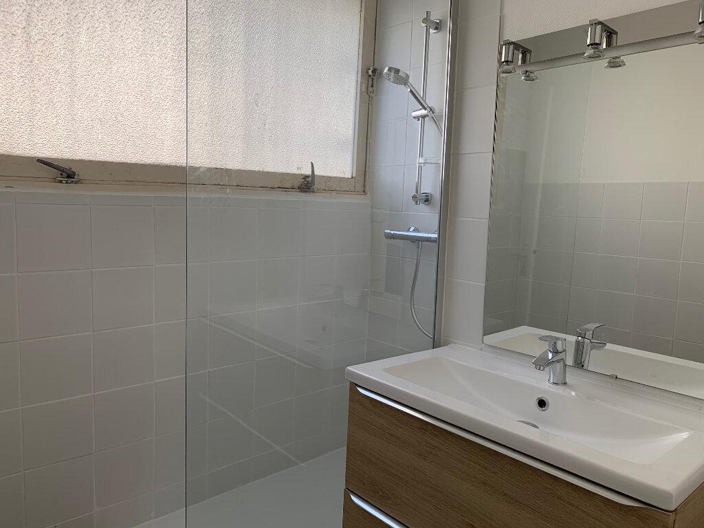 Appartement à louer 3 54m2 à Toulouse vignette-3