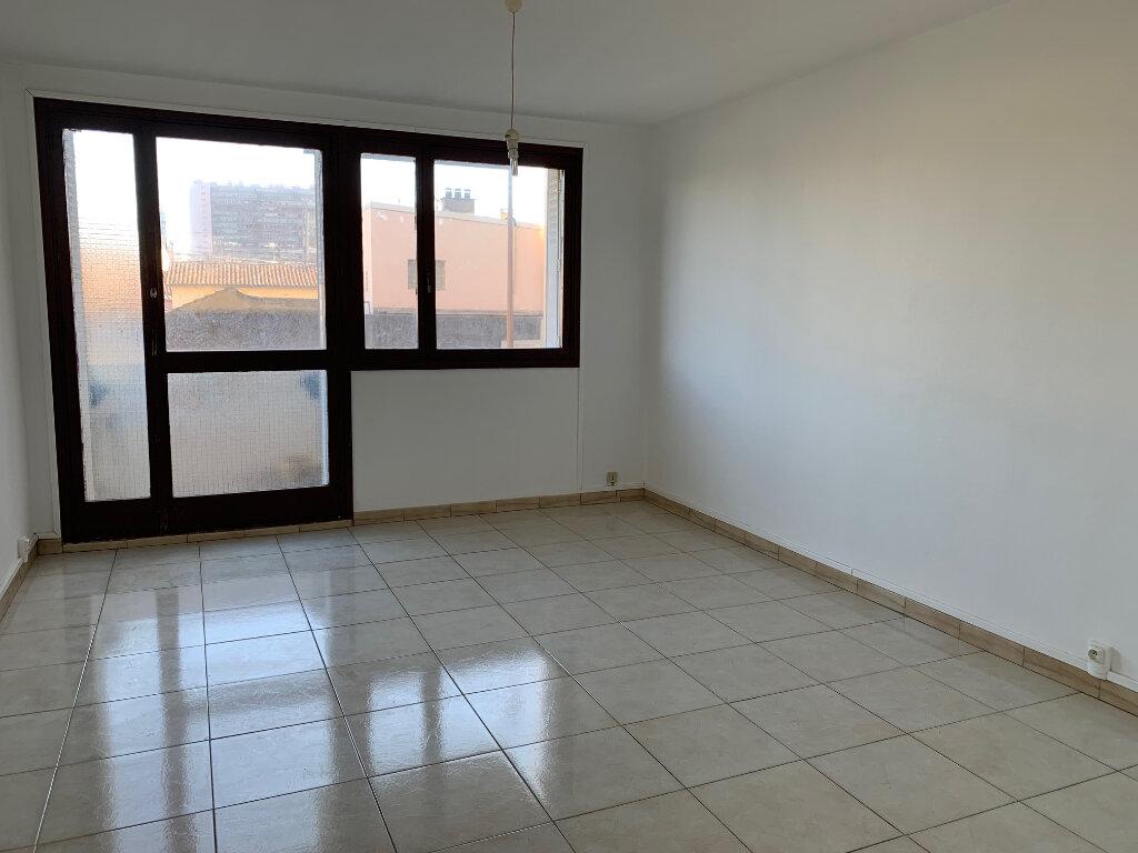 Appartement à louer 3 54m2 à Toulouse vignette-4