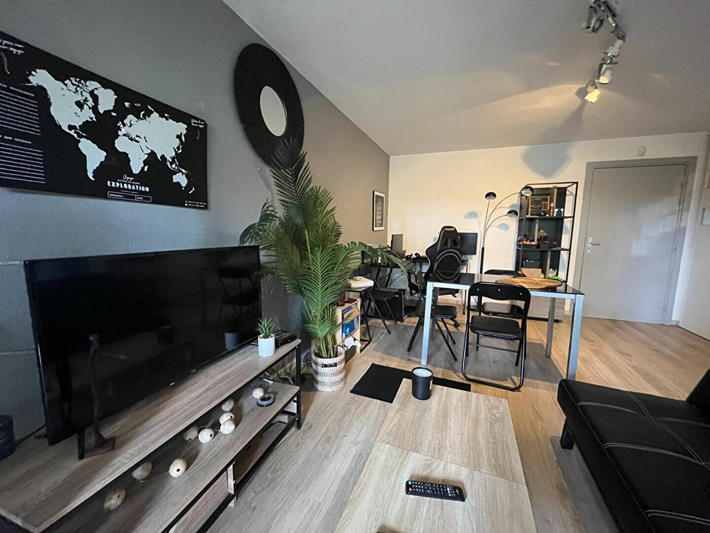 Appartement à louer 2 42m2 à Saint-Jean vignette-2